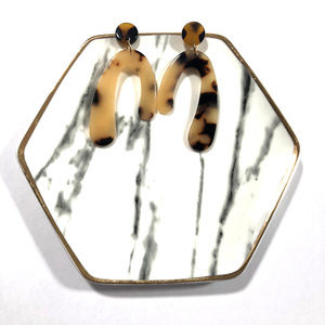 Light Tortoise Shell Oblong Stud Boutique Earrings
